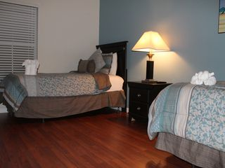 Encantada Resort townhome photo - Spacious bedroom with two Twin beds that can be moved together to form a Queen
