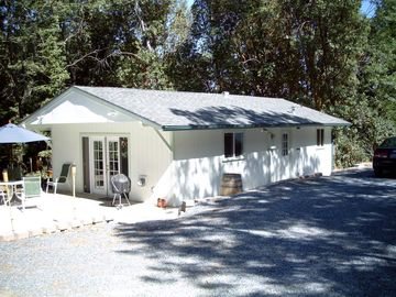 Georgetown cabin rental - The cabin in the woods