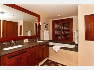 Kapolei villa photo - Master Bath with Sunken Tub and Shower Stall