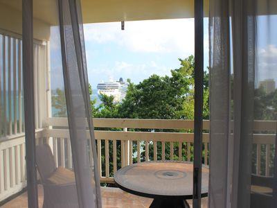 Sit on the Balcony and enjoy nice cool Red Stripe or a glass of wine.