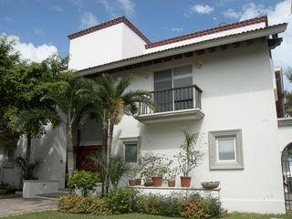 Cancun house photo - Front view