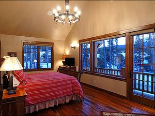 Erzincan house photo - Tree Top View Bedroom - King