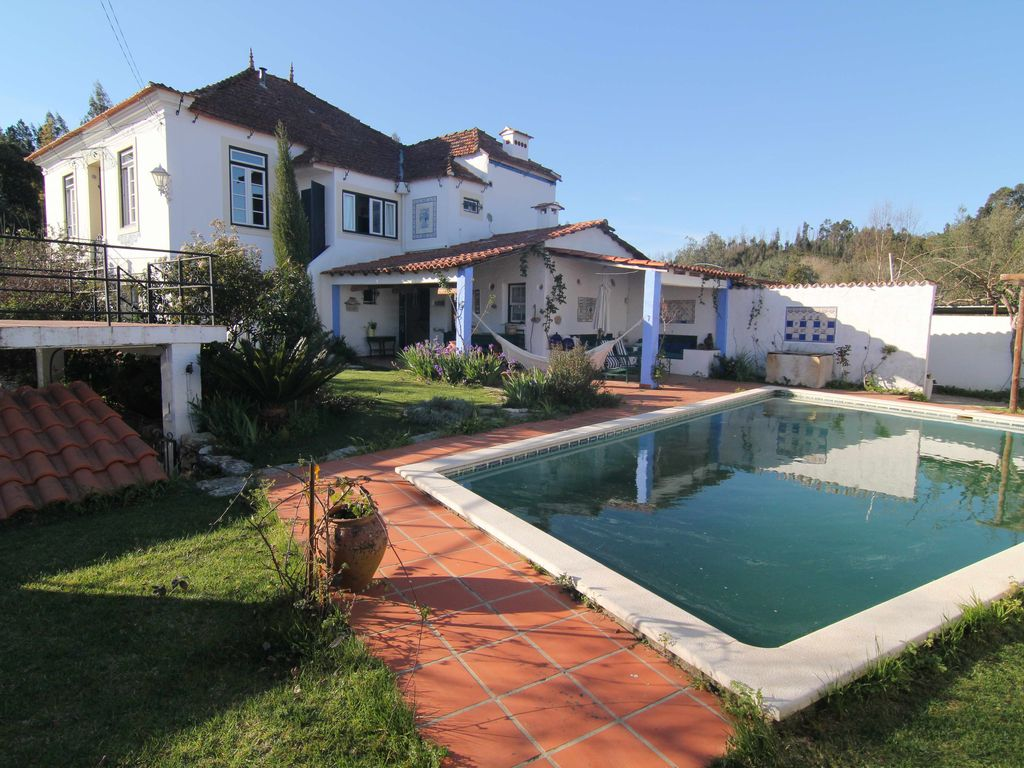 House, 30000 square meters, with terrace