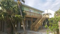 Quaint, 3 Bedroom Beach Home across the street from the Sound