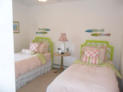 Groton cottage rental - Twin Bed Room