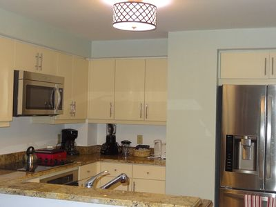 Coconut Grove condo rental - If you like to cook, you will enjoy the kitchen with stainless steel appliances