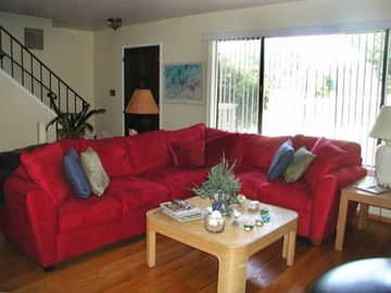 Aptos condo rental - Bright and airy living room to relax and enjoy.