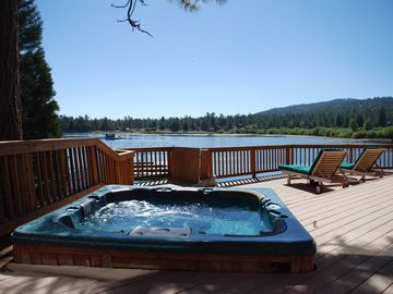 Hot tub on the deck. Cocktails overlooking the lake.