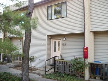 Greers Ferry Lake townhome rental