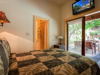 Key West house photo - The third bedroom: en-suite bathroom, flat screen TV.