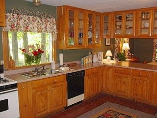 North Woodstock house photo - Full-Amenity Kitchen, adjoining Dining Room & Bar