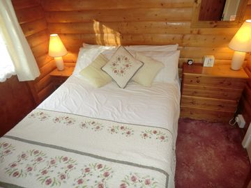 Double bedroom in Llynor Lodge