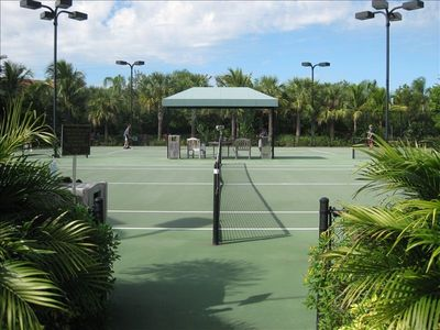 Ole Village Tennis Courts