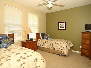 Waikoloa Beach Resort townhome photo - 2nd Master Bdrm w/ *Twin beds and adjoining full size bathroom