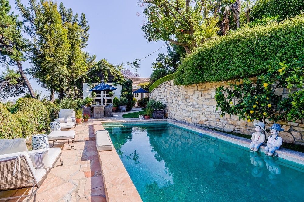 Restored Cape Cod Home In Hollywood Hills Vrbo