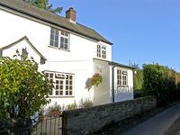 LYNCH COTTAGE, pet friendly, with a garden in Dottery, Ref 3763
