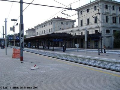 Trastevere station: stop from airport