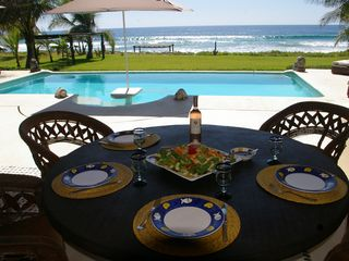 Puerto Escondido villa photo - Lunch with an amazing view