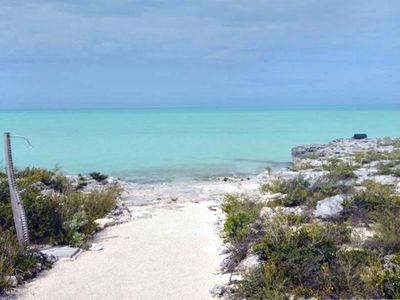Providenciales - Provo house rental - Ocean in front of villa