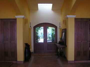 Front entrance to Casa de Las Palmas