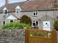 WOODFORDE COTTAGE, pet friendly, with a garden in Babcary, Ref 4513