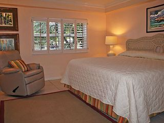 Grand Cayman condo photo - Second bedroom has comfortable king size bed