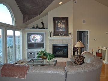 Lake Ozark house rental - Open floor plan, living room