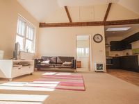Converted 19th Century Loft, near Worthing beach and easy access to London
