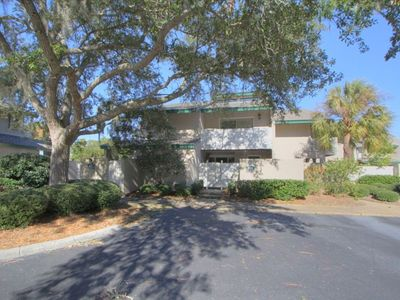 Sea Pines townhome rental - Frontal View of Home, Base of the Cul-De-Sac location. 15 yards from the Pool!