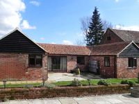 OAK TREE BARN, country holiday cottage in Wymondham, Ref 13556