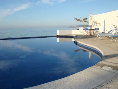 Beachfront Condo with Infinity Pool - Colibri Condominiums