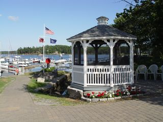 Georgetown house boat photo - The Gazebo with bands every Friday night in the summer.