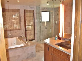 Santa Monica house photo - Master bath