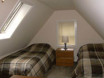 4 Twin Size Beds - Bedroom #3