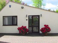 MILLERS RETREAT, pet friendly, with a garden in Bolsover, Ref 5613