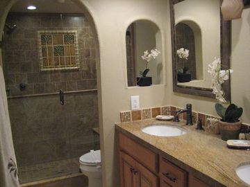 Casa Blanca- Master Bathroom
