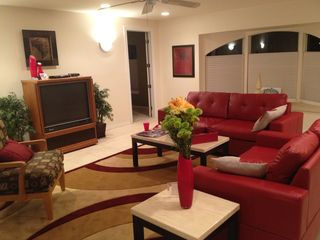 Cape Coral villa photo - Comfortable seating for 8 here.....