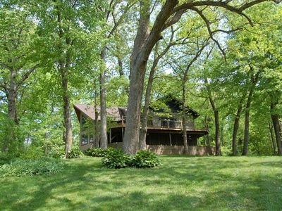 Beautiful, secluded, lakefront home on Lake Delhi