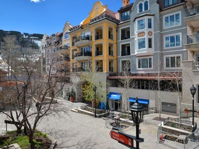 Views from Lionshead Arcade of the Arrabelle and just steps from the slopes!