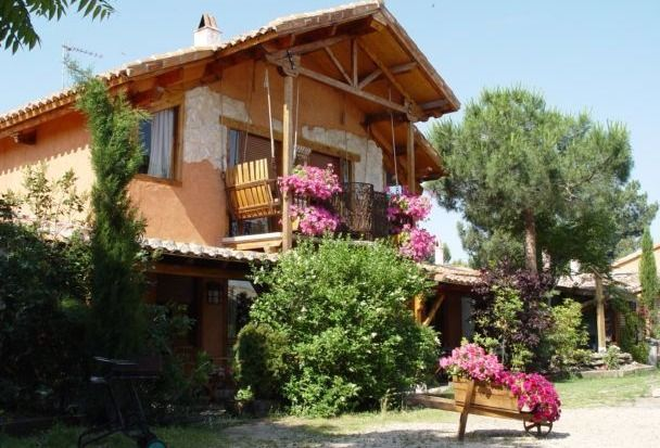 Rural apartment Las Cavas for 50 people