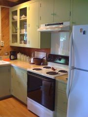 Breaux Bridge cottage photo - Cottage Kitchen has everything needed for making a home-cooked meal.