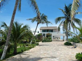 Playa del Secreto villa photo - The entrance to your private paradise! Can't wait!!