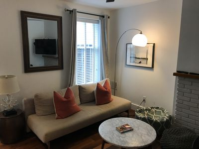 Historic Carriage House located in Logan Circle.  Walk to Mall/Convention Center