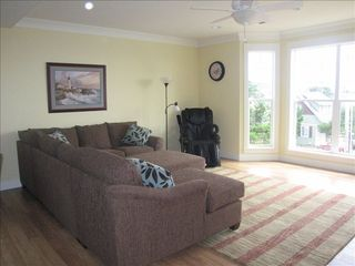Lincoln City house photo - Living Room w luxury massage chair.. & 50' Plasma
