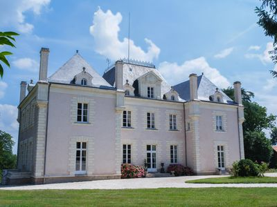 Romance & Elegance - in the Loire Valley - tennis court - jaccuzzi - and wine