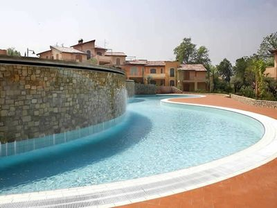 Beautiful Spacious Apartments In Private Residence With Swimming Pools