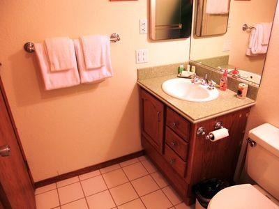 Mammoth Lakes condo rental - Second bath