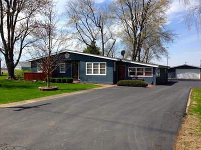 In the Heart of Lake Shelbyville, near Findlay Marina and public boat launches
