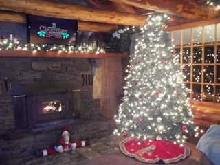 Beaver Lake cabin photo - Christmas Time at a Beautiful Cabin