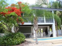 Pool And Canal - Fabulous 3/2 Waterfront Home In Tropical Setting